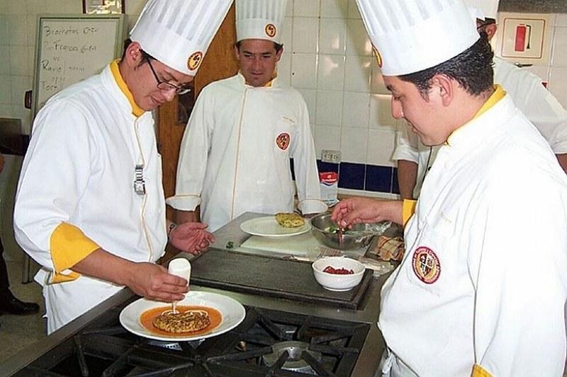 Търсят се сервитьори и готвачи в Раковски