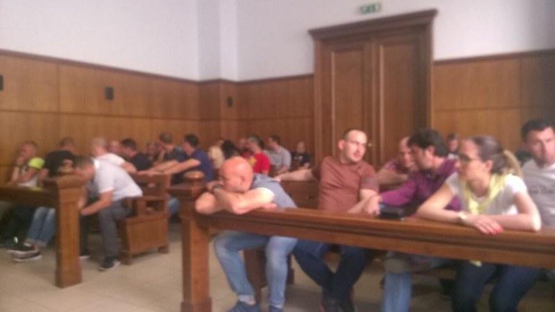 Командосът Желязков с най-леката мярка, 50 военни аплодираха решението на съда