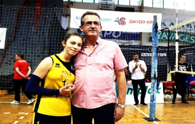 Малките маричанки с две индивидуални награди от Държавното по волейбол