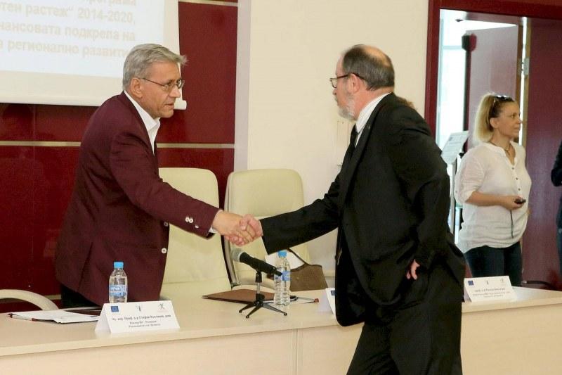 Ректорите на ПУ и МУ-Пловдив си стиснаха ръцете! Започват работа по мащабен проект ВИДЕО