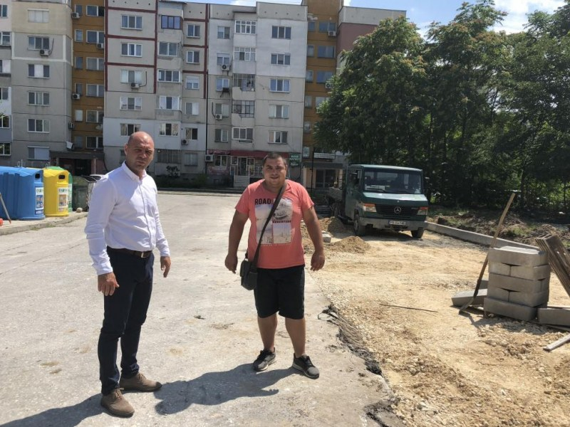 """Изграждат стотици нови паркоместа в """"Тракия"""""""