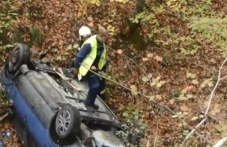 Крадец задигна автомобила на младеж от Лъки, преобърна го по таван в дере