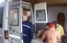 Над 20 кашона с топли дрехи дариха на сираци жителите на Съединение