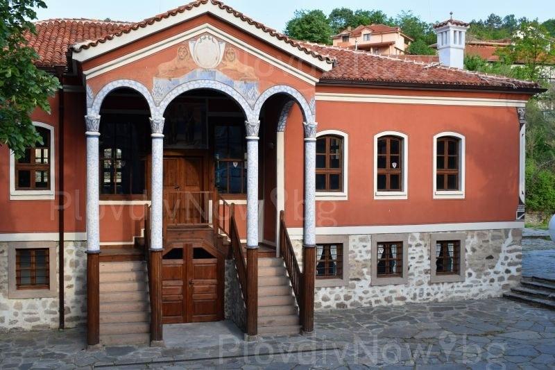 Замъкът в Равадиново поведе на Перущица в номинациите за Годишни награди в туризма