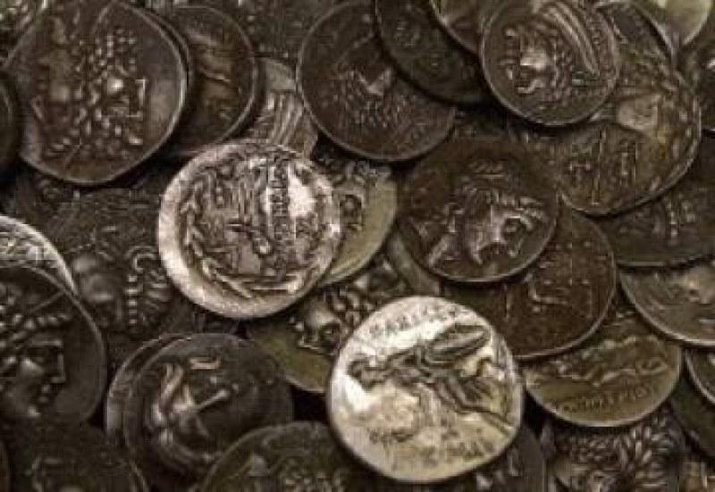 Ченгета нахлуха в дома на иманяр от Хисаря, иззеха ценни монети
