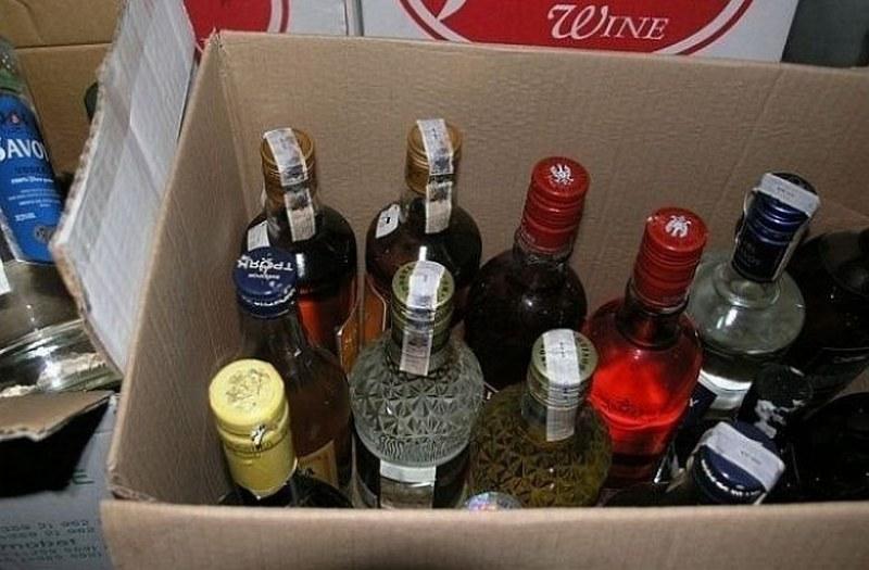 Мъж от Сопот превозвал 200 литра наливен алкохол без бандерол