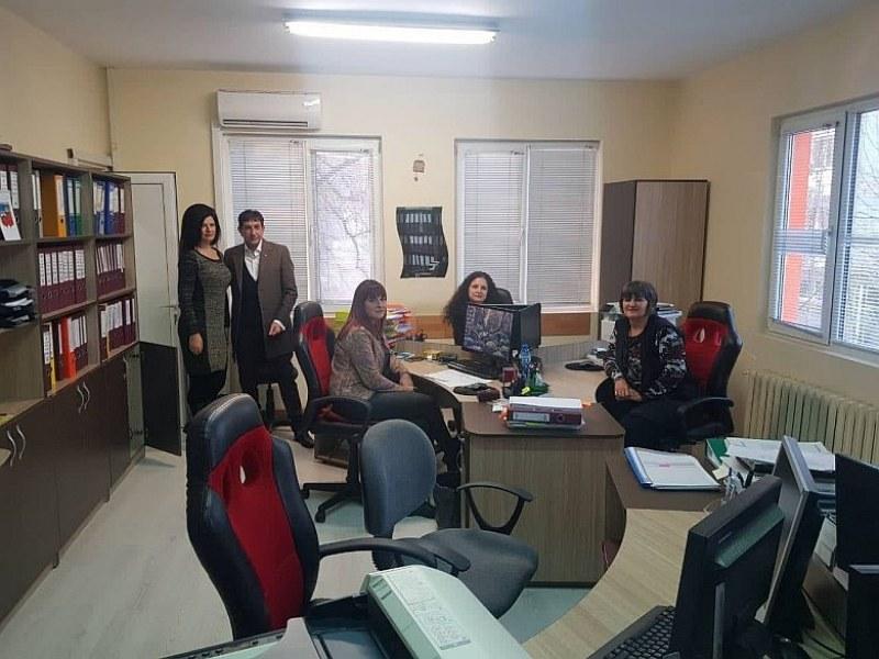 Стрес-тестове в общината в Стамболийски, кметът на изненадваща проверка СНИМКИ