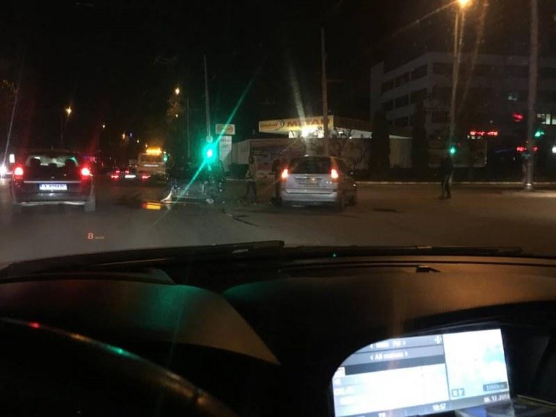 Две катастрофи със сериозни щети затапиха Пловдив, има пострадал СНИМКИ