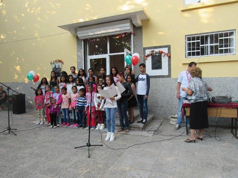 Оправданата клиентка на Темида Весела Симеонова остава начело на школото в Боянци