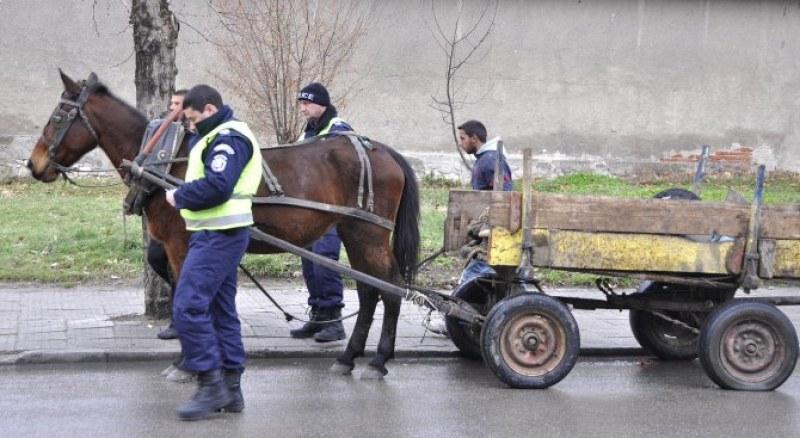 Пиян водач на каруца причини катастрофа в Първомай, има пострадал