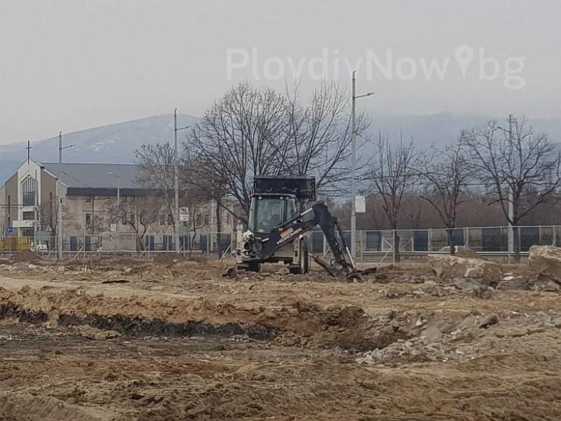 Багер проби газопровод в Тракия, три екипа на пожарната обезопасиха района СНИМКИ