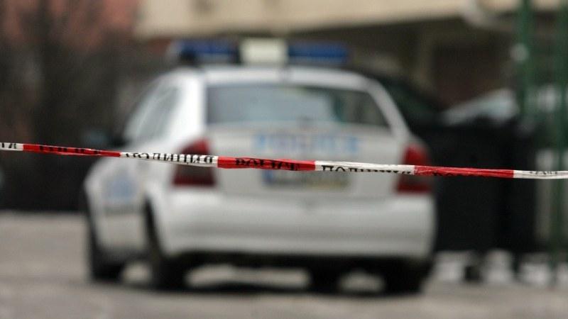 Задържаха 20-годишен, откраднал и потрошил БМВ край Стамболийски