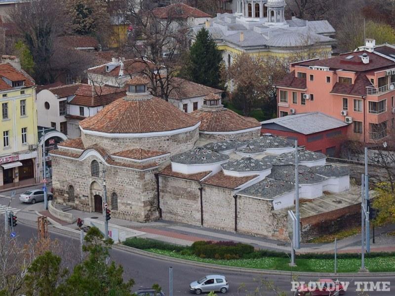 Туристите в Пловдив не знаят за ЕСК 2019, трафикът не им пречи ВИДЕО