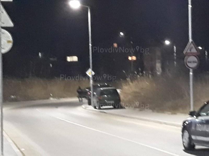 """Трима са пострадали при тежката катастрофа на улица """"Остромила"""" СНИМКИ"""