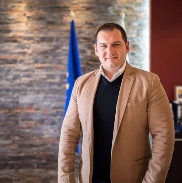 Кметът на Раковски: Подменихме водопровода в Момино село, да се готви Чалъкови ВИДЕО