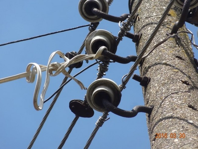 Смелчага си точи безплатно ток в асеновградско село