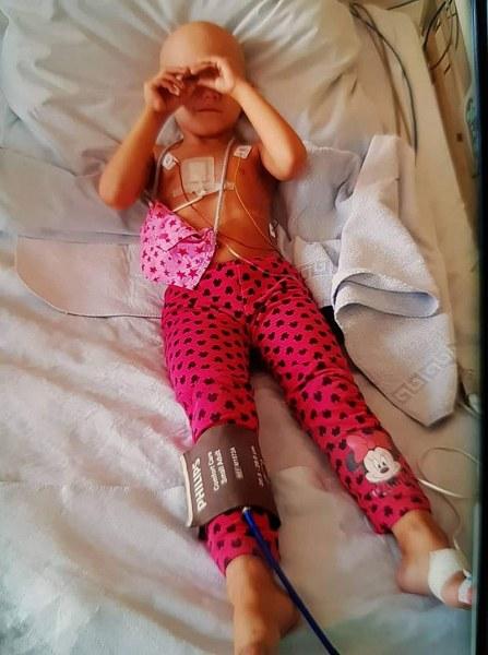 Трансплантират стволови клетки на малката Ева от Асеновград