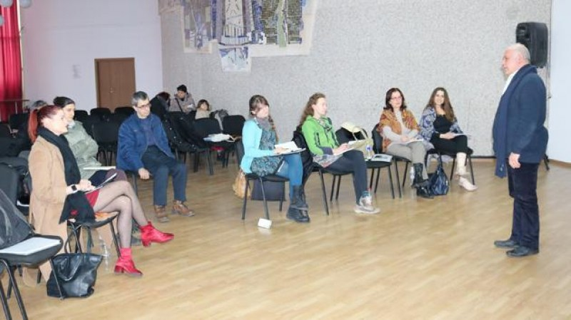 Оперен певец и диригент води майсторски клас за барокова музика в Карлово