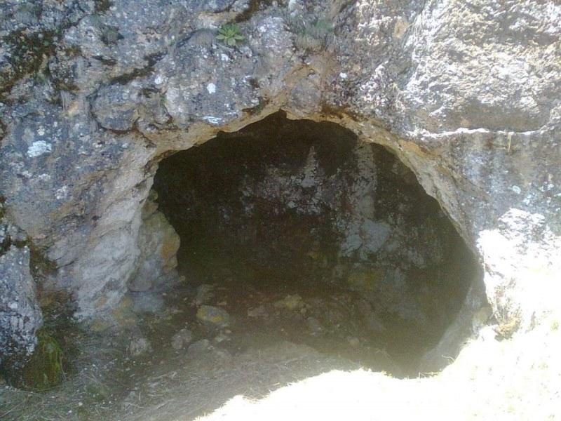 Пещера до Асеновград носи името на смела девойка, спасила родопските села от османските завоеватели