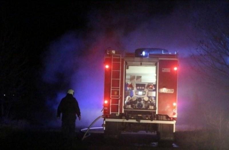 Опожарени халета, отчаяни хора! Кой е виновен за пожара във Войводиново?