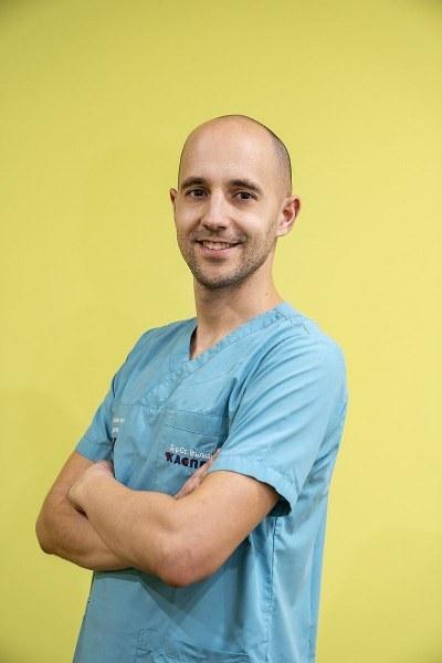 Младите лекари на Пловдив - Д-р Вълканов: Мит е, че бирата помага при камъни в бъбреците