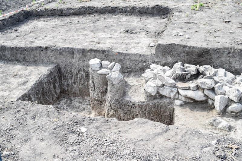 Археолози откриха древно селище до могила Лаута СНИМКИ