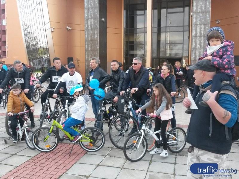 """1300 ентусиасти се метнаха на велосипеди и потеглиха по велоалеите в район """"Тракия"""""""