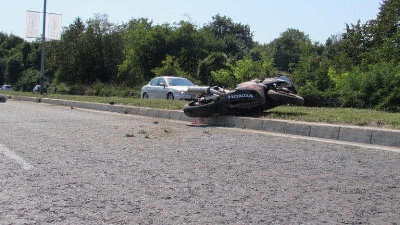 Двама загинаха след зверска катастрофа край Карлово!