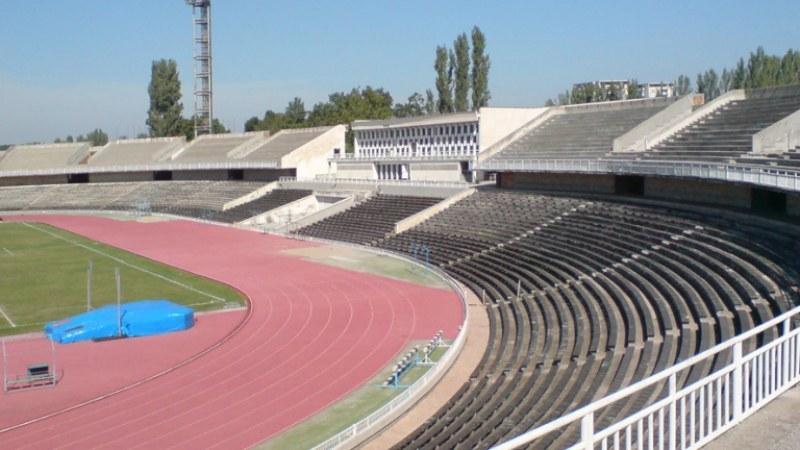 """Проектират новия лекоатлетически комплекс край Гребната, чакаме държавата да реновира ст. """"Пловдив"""""""