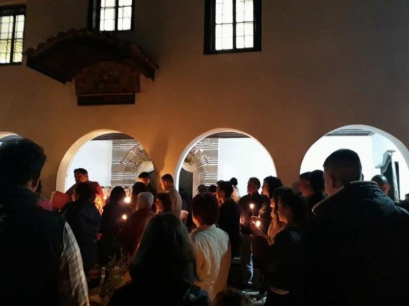 Христос Воскресе! Камбанен звън възвестява най-големия християнски празник