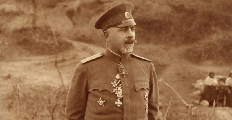 Карлово днес се прекланя пред непобедения генерал Владимир Вазов