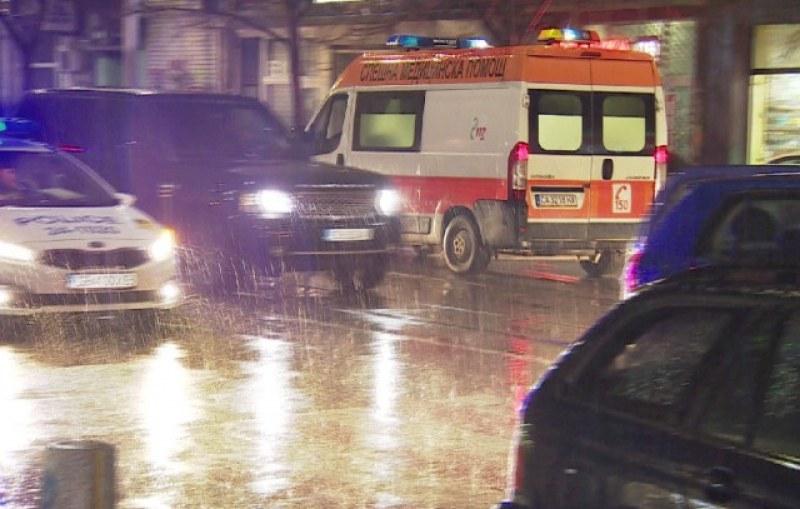 Кола удари тийнейджърка на пешеходна пътека в Асеновград