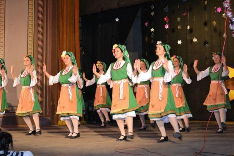 Певци и танцьори в Стамболийски възраждат фолклора на Тракия