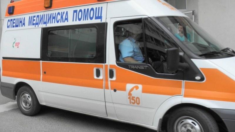 Катастрофа с автобус в Ягодово, кондукторката в болница със счупено рамо