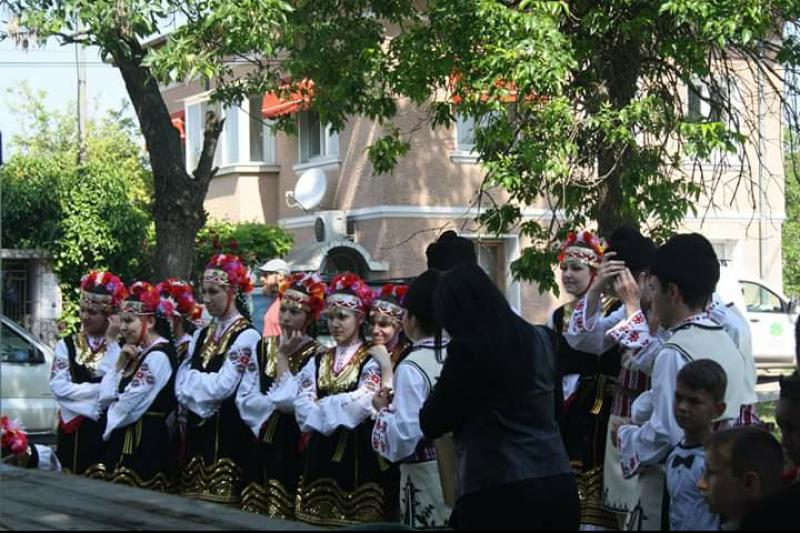 С много настроение мина Фестивалът на белия щъркел в Белозем