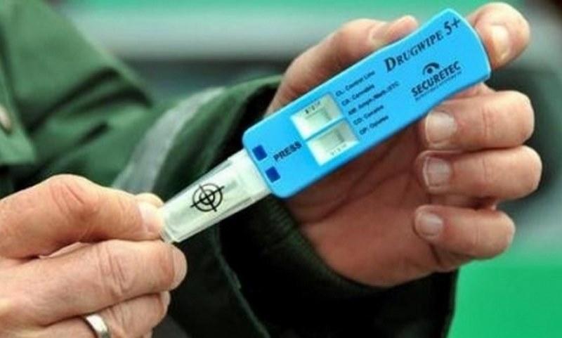 Арестуваха дрогирани шофьори в Карлово и село Труд