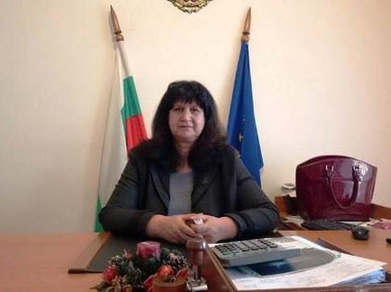 Кметицата на Хисаря с емоционално послание към учители и ученици на 24 май