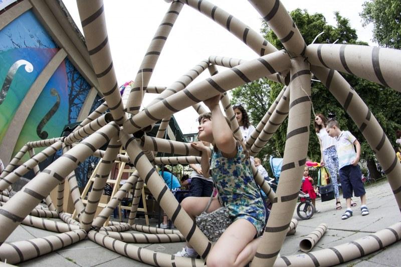 Деца ще строят собствен град от дърво, с кули и мостове на Младежкия хълм