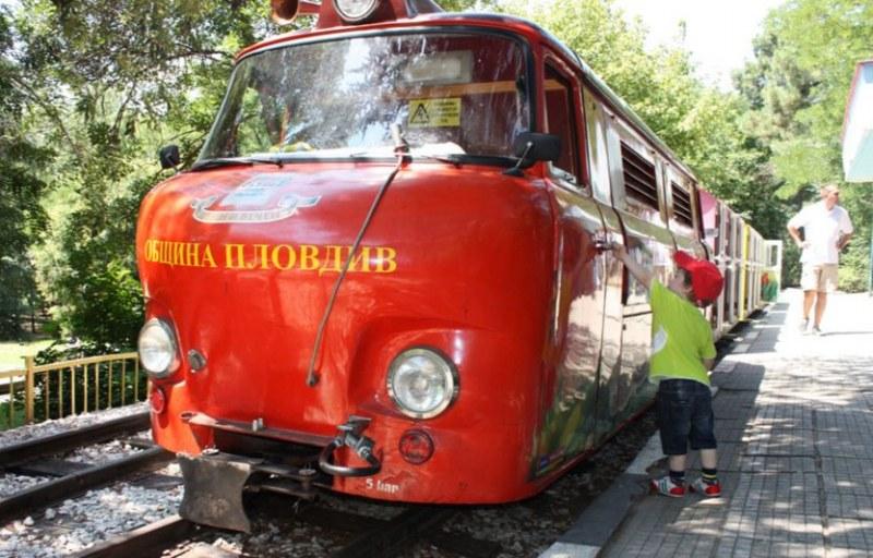 """Детската железница """"Знаме на мира"""" ще вози безплатно пътниците цели три дни"""