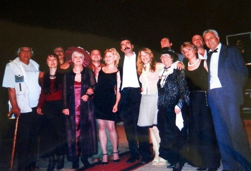35 години Театър без диплома в Хисаря, празнуват с премиера днес