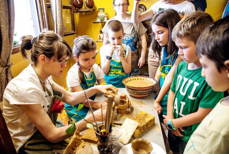 """""""Улицата на занаятите"""" в Стария град отваря днес ателиетата за децата на Пловдив"""