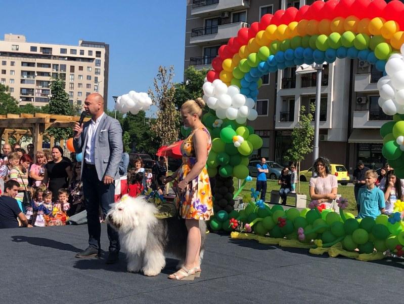 """Кметът Костадин Димитров даде началото на тържествата за Деня на детето в """"Тракия"""""""