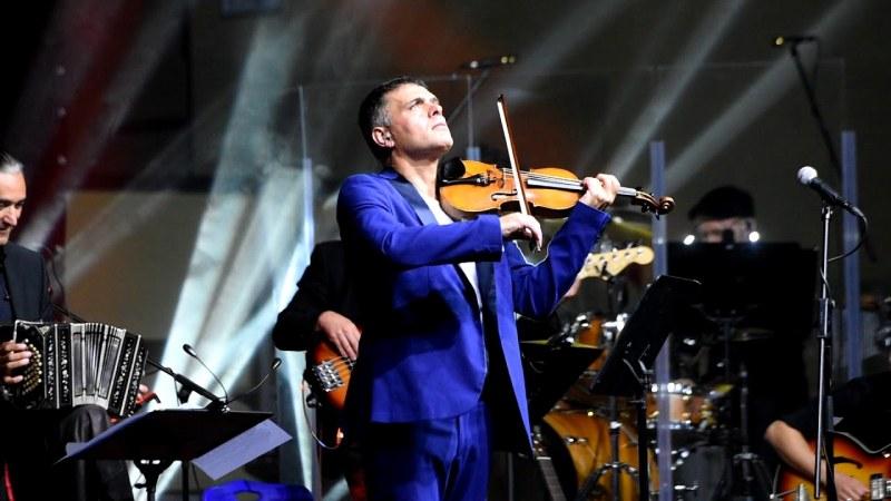 Невероятният цигулар Васко Василев ще свири в Асеновград