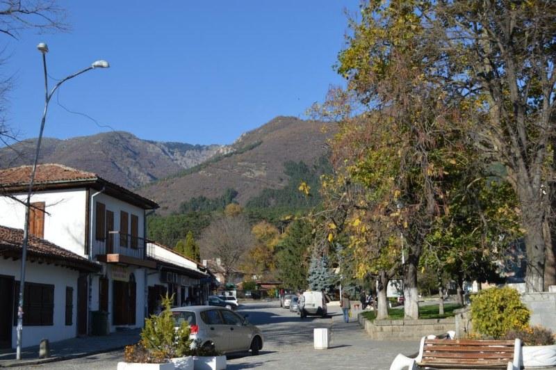 Община Сопот продава на търг 5 поземлени имота