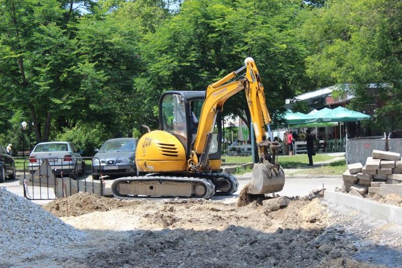 """Нов паркинг за 50 автомобила изграждат в район """"Западен"""""""