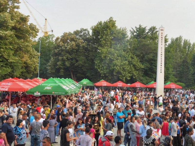 Стамболийски се стяга за празника на града, програмата е вече готова СНИМКИ