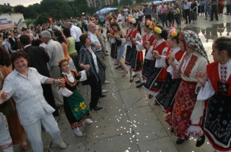 """Президентът Румен Радев ще уважи събора """"Свети дух"""" в село Труд"""
