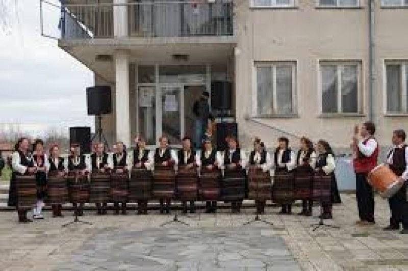 Село Паничери кани малки и големи на традиционния си събор