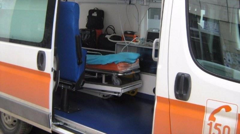 """Катастрофи в община """"Марица"""": ВАЗ помете възрастен велосипедист, 18-годишен също е в болница"""