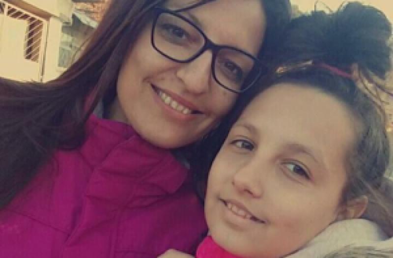Млада жена от Сопот се бори с коварна болест, детето й моли за помощ